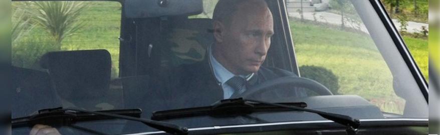 В сети обсуждают, пристегивается ли Путин ремнем