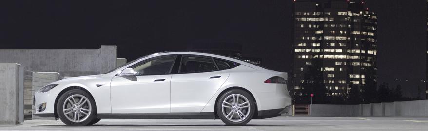 Tesla отзывает 53 000 автомобилей из-за «ручника»
