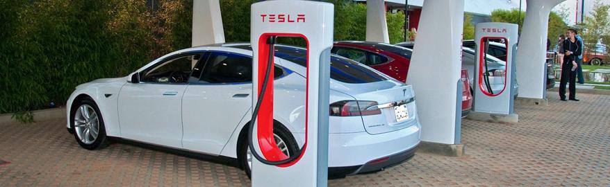 В Китае во время зарядки сгорели две машины Tesla
