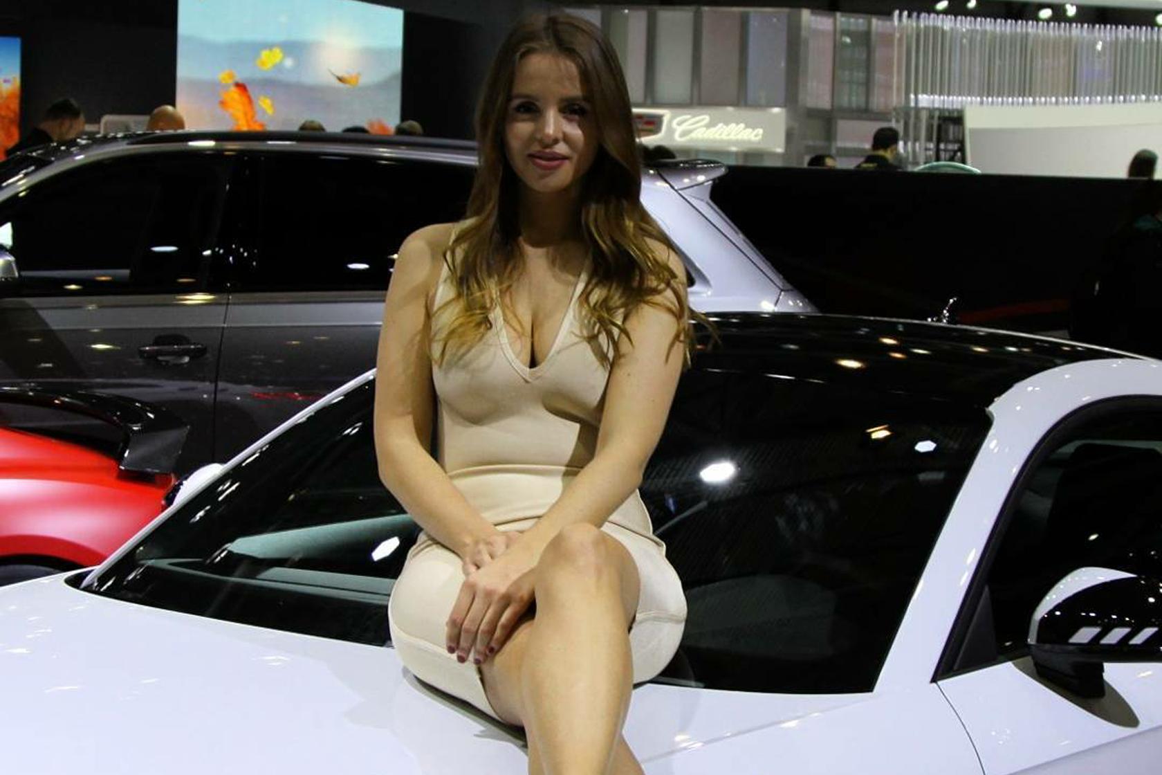Самые красивые девушки Женевского автосалона 2017